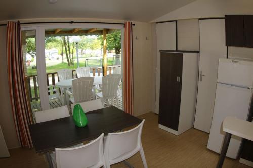 Mobil home 2 chambres en Ardèche 04