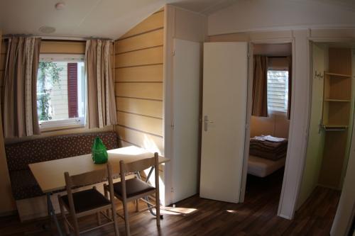 Mobil home 2 chambres en Ardèche 06