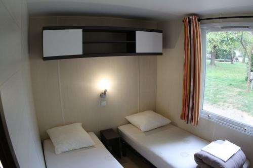 Mobil home 2 chambres en Ardèche 02